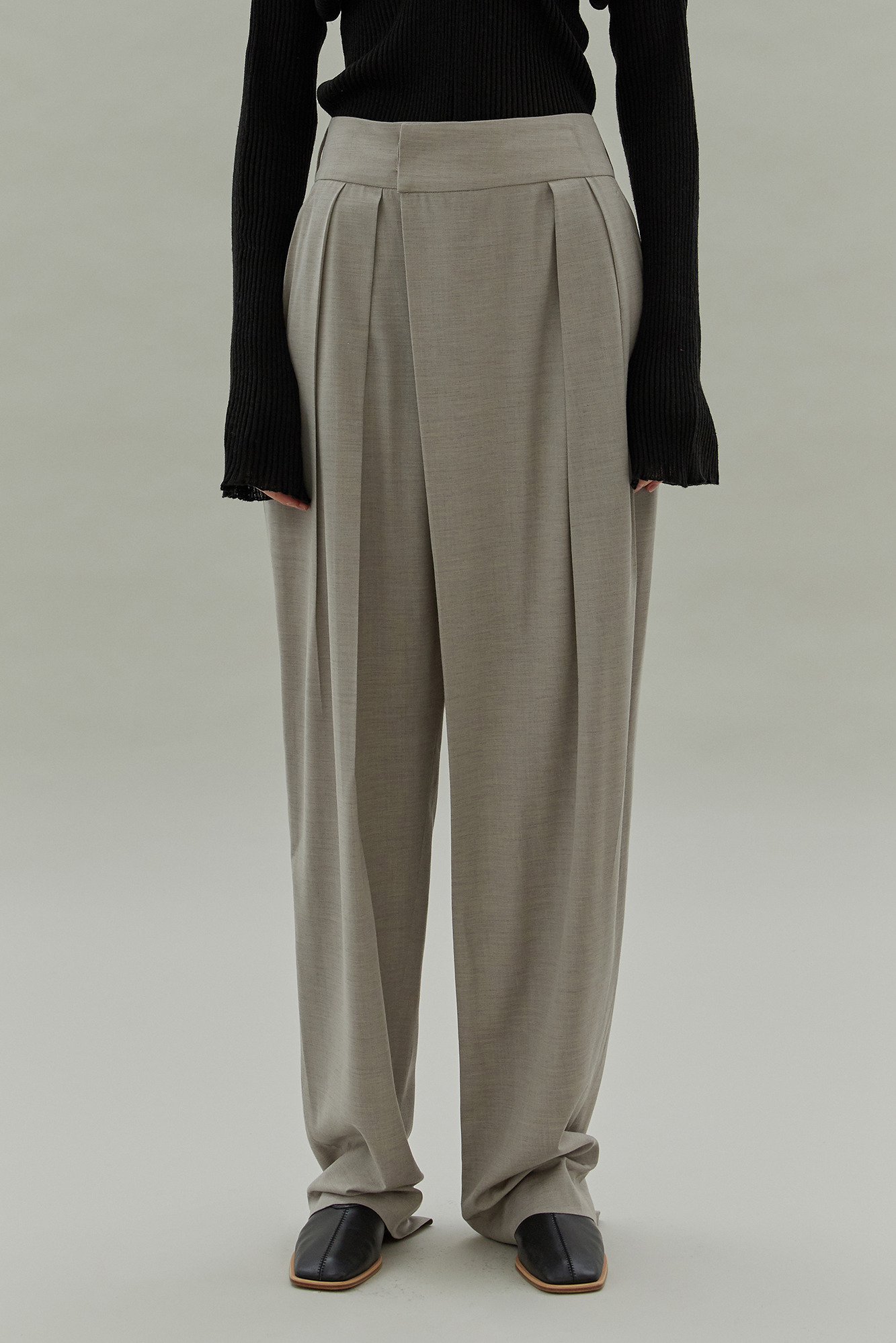 20SS WIDE TUCK PANTS - BEIGE